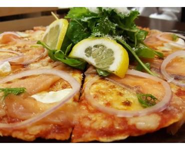 Pizza aux fromages et marmelade citron